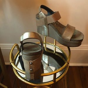 OTBT Wedges (Bronze)